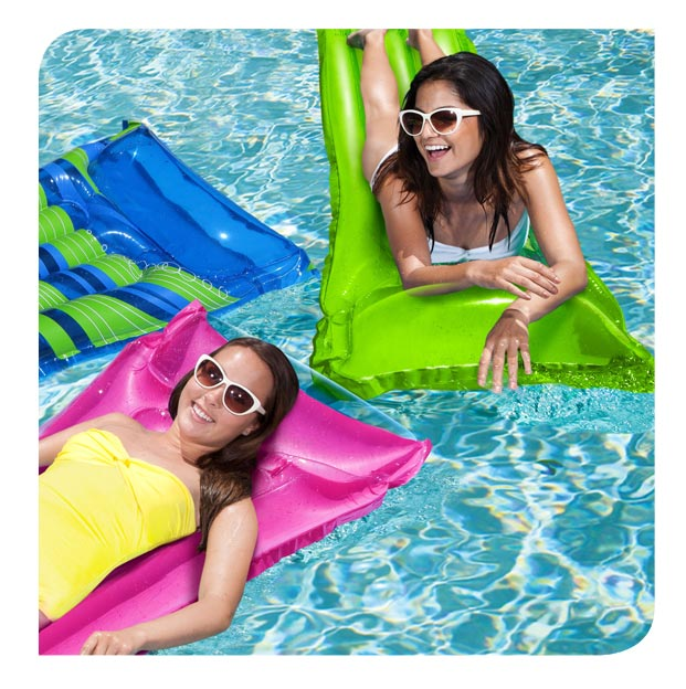 Deluxe Pool Lounge - Assorted